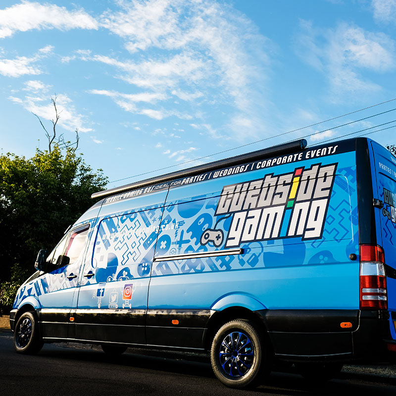 Curbside Gaming Gaming Bus 2
